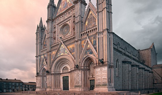 Orvieto cathedral photo tour in taly