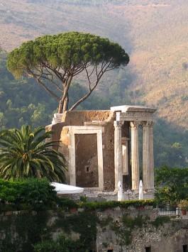Tivoli Sybil Temple photo trek