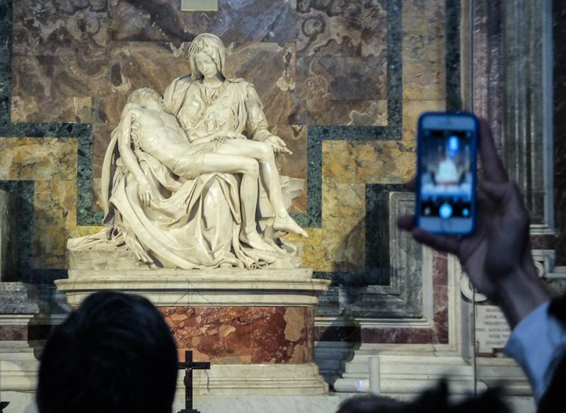 Vatican_pietà.PatrickNicholas.-6920