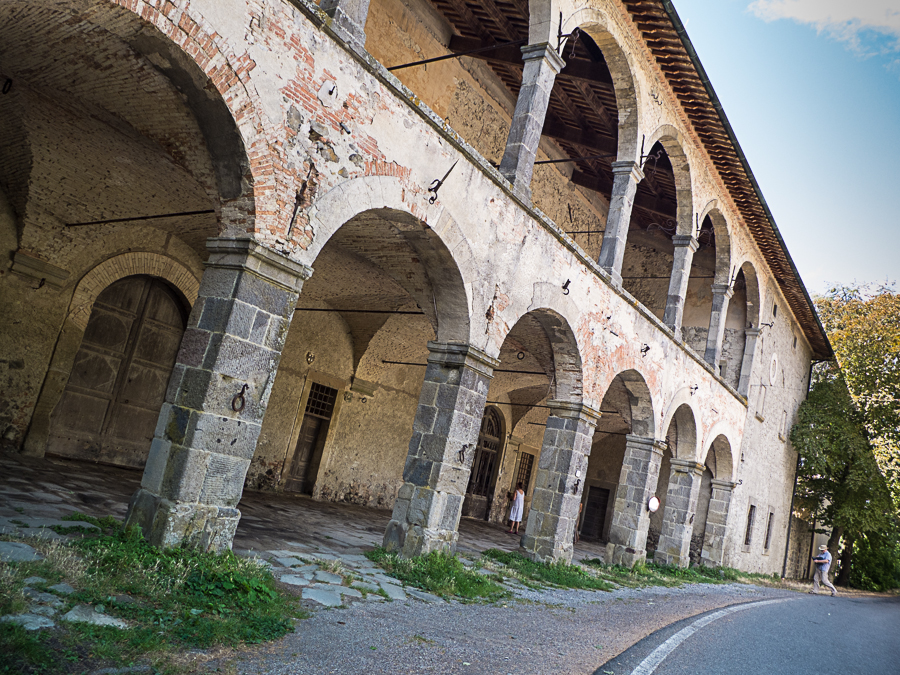Medici Post house