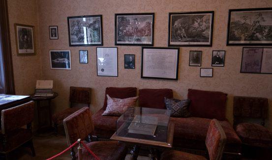 Freud's waiting room in Beggasse 19