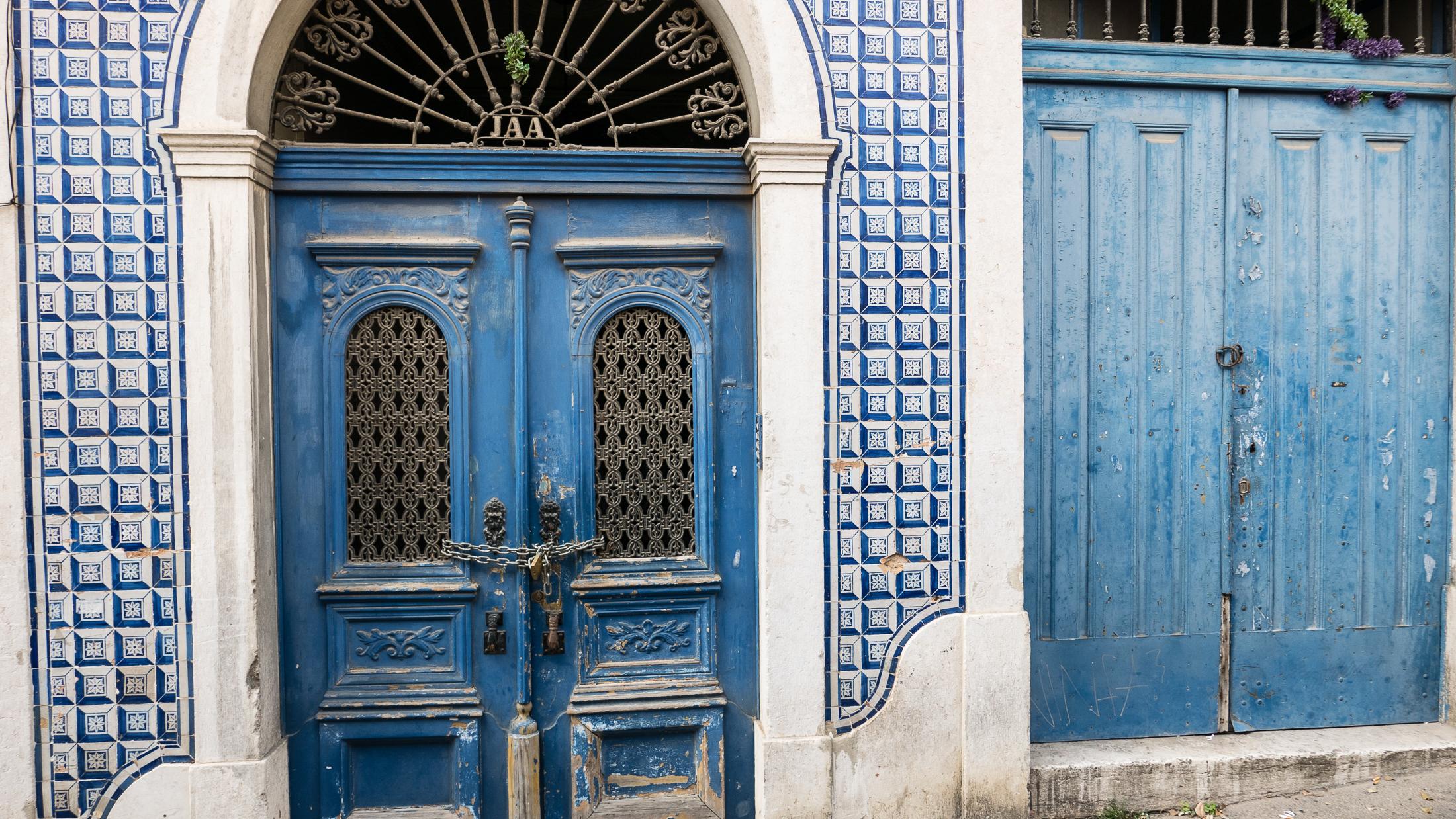 Photo workshops in Lisbon and the Algarve- Azulejo ceramic facade in Alfama, Lisbon, azuleja tiles
