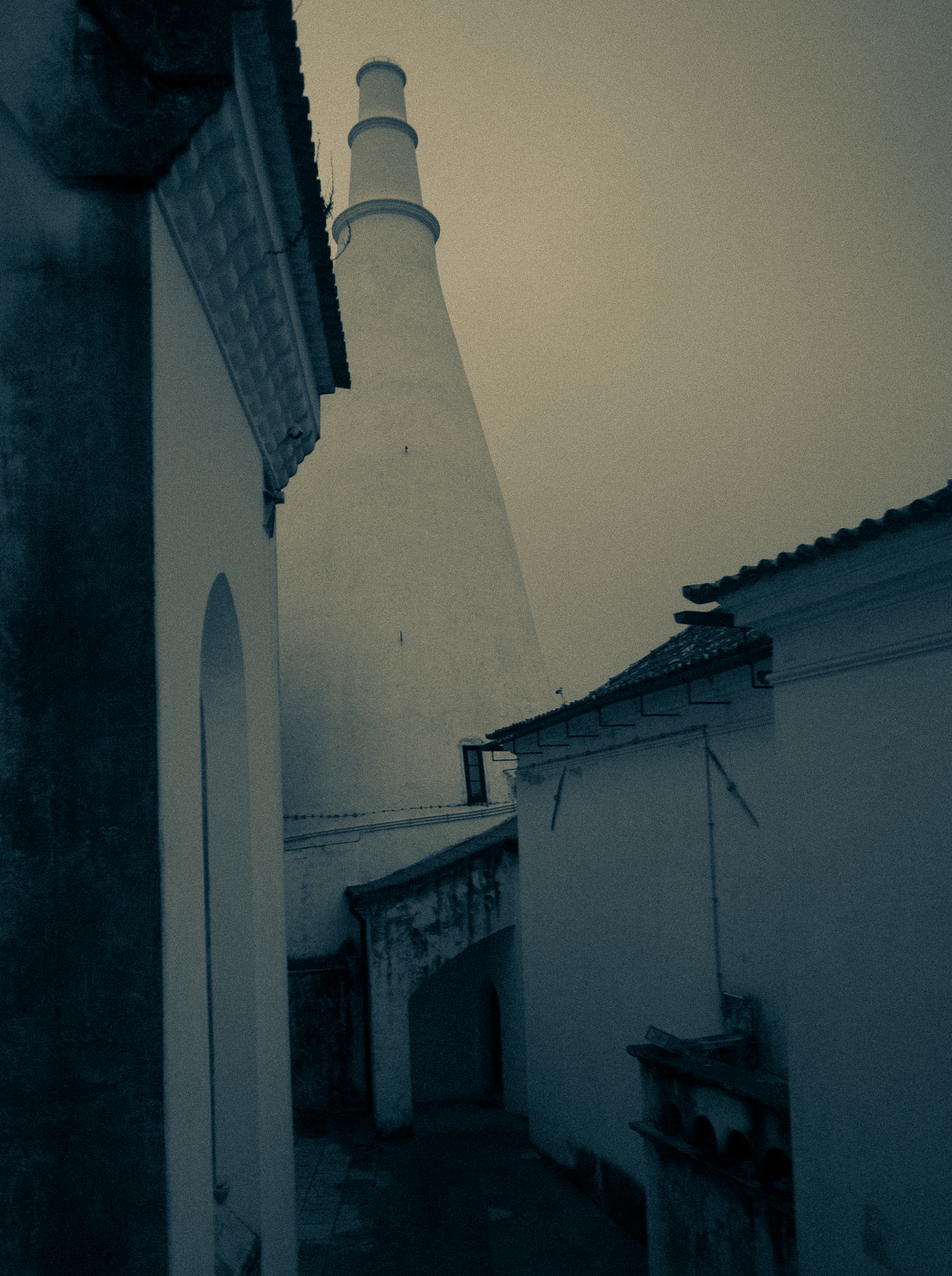 Photo workshops in Lisbon and the Algarve- Sintra palace in the fog