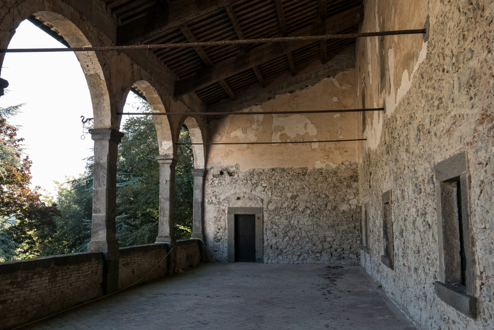 The Loggia affords a  fine view up to Radicofani town with its castle above.